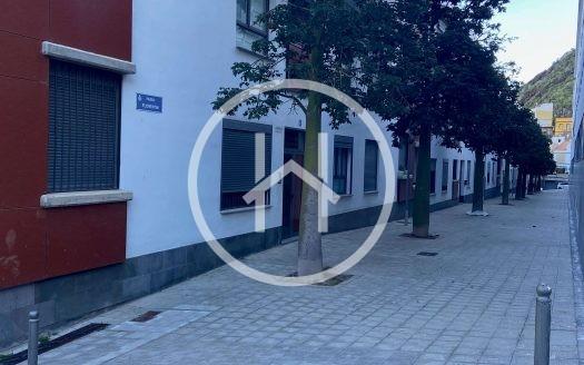 01 piso MariaJiemenez Policia
